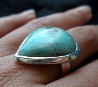 Anello argento con turchese goccia